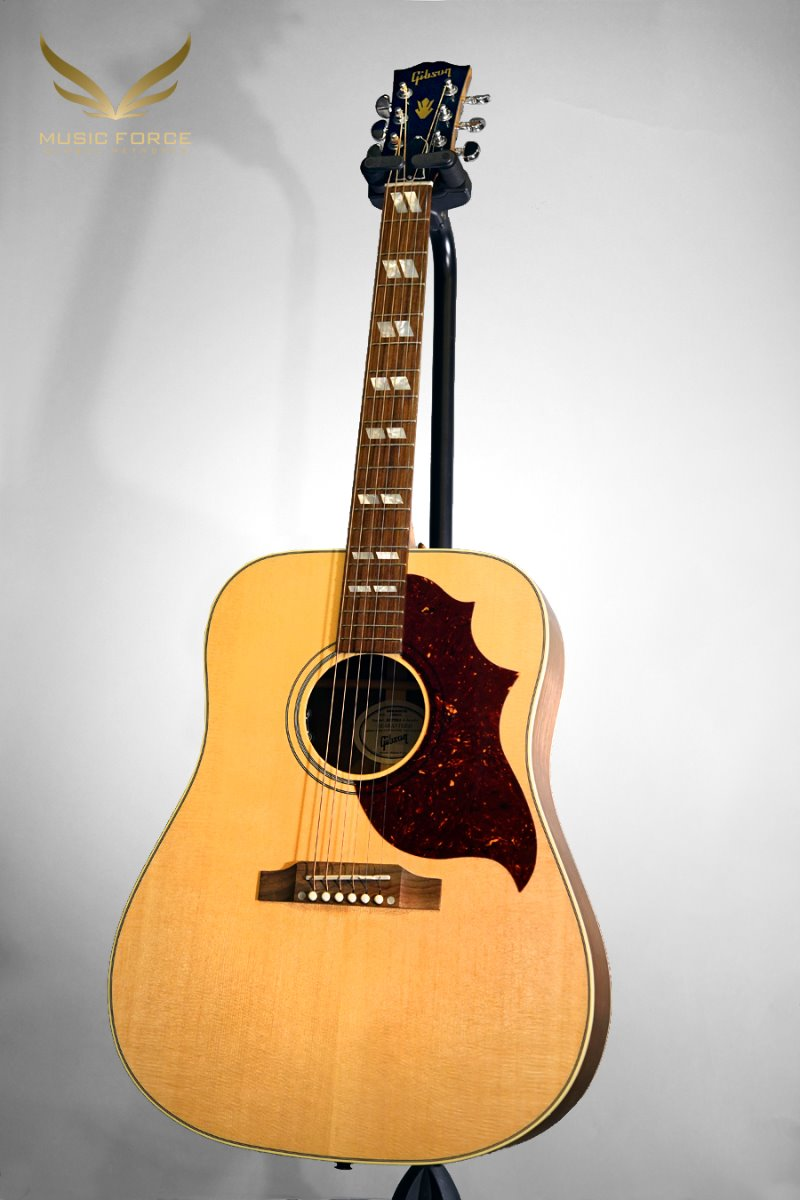 Gibson Montana 2019 Model Hummingbird Studio-Antique Natural w/L.R. Baggs VTC Pickup System(신품)